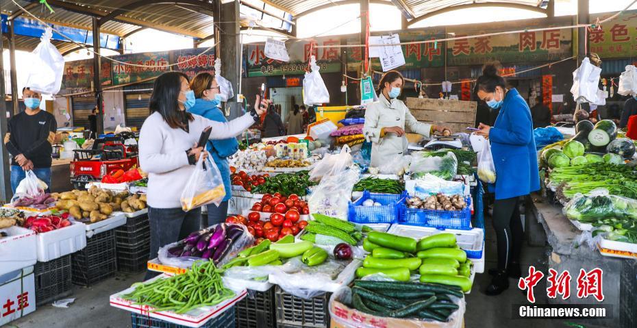 喀什市群众生活必需品货源充足价格稳定
