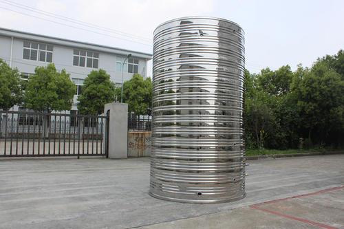 包头圆柱形保温水箱