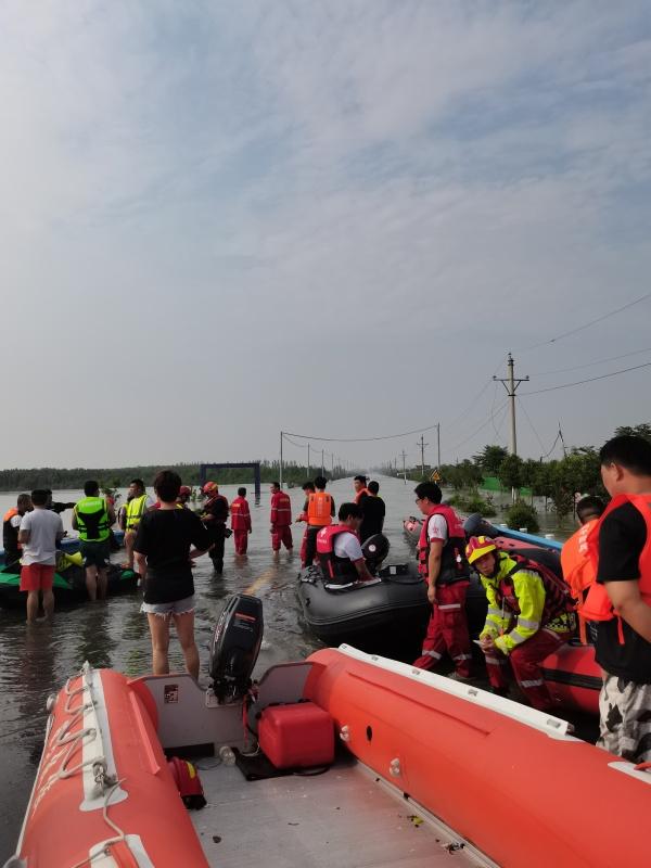25日新乡北环王村镇马坊村救援