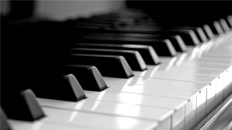 南阳钢琴考级---钢琴的坐姿以及手型重要吗?