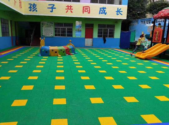 成都幼儿园地板-草坪