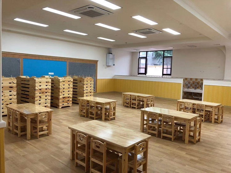 四川幼儿园实木桌椅