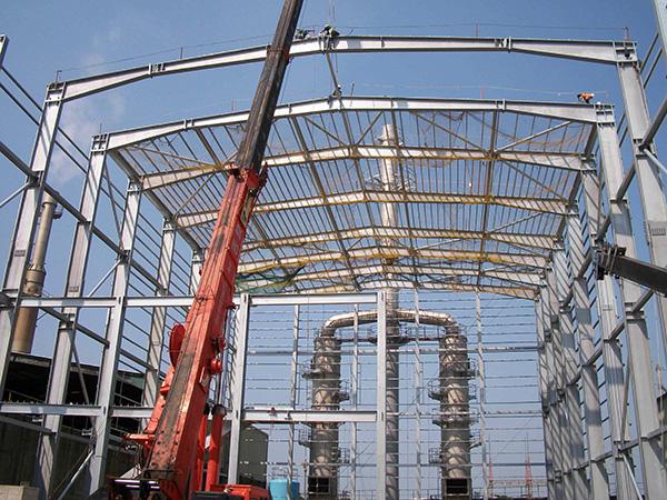 钢结构仓库怎样控制变形