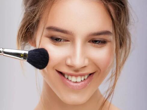 化妆学不好,你的化妆不过是一些无效的化妆罢了