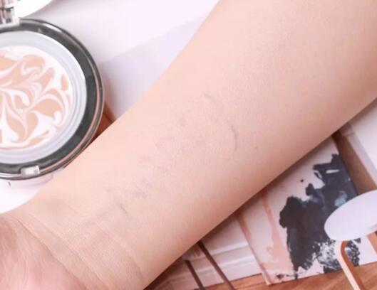 化妆学校告诉你新手学习化妆的时候应该注意什么?