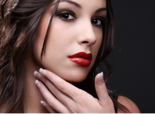 化妆是个化妆师们经常讨论的话题,应该怎么样去认识呢?