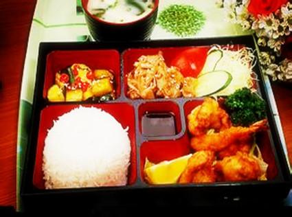 八宝鸡翅米饭套餐