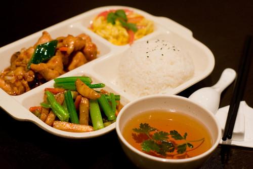 郑州小酥肉米饭