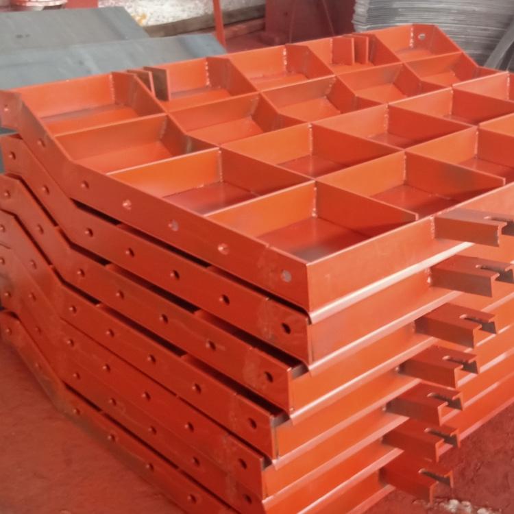 建筑钢模板在拆卸时要注意哪些问题?