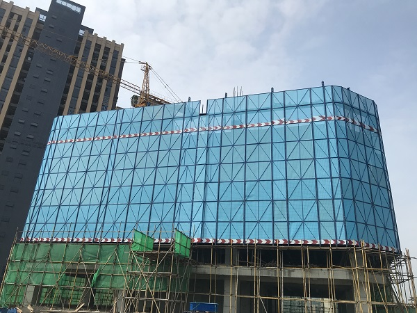 高可泰全钢安全爬架成都湟普国际二期项目