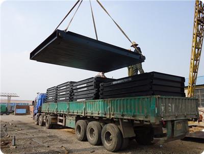 钢木基础装货