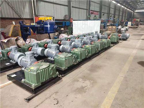 HL20台11KW泥浆搅拌器运往山东