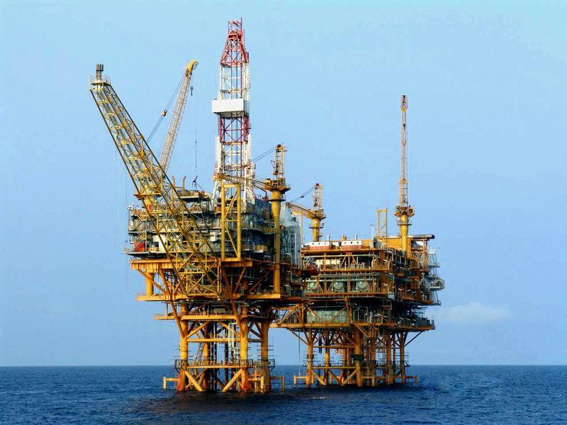 需求激增令美国原油库存以创纪录速度下降