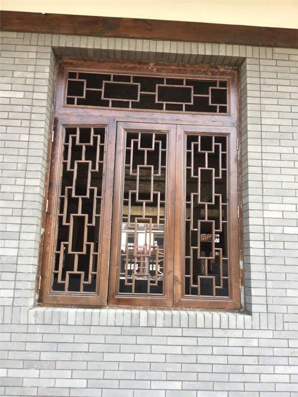 防腐木门窗