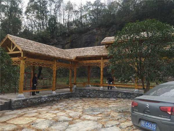 五峰县汉马池村防腐木长廊