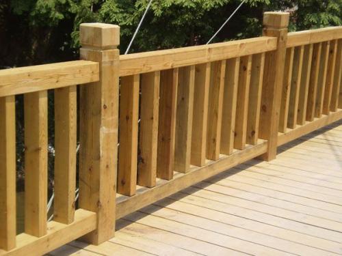 专业防腐木栏杆栈道定制厂家可提供安装服务