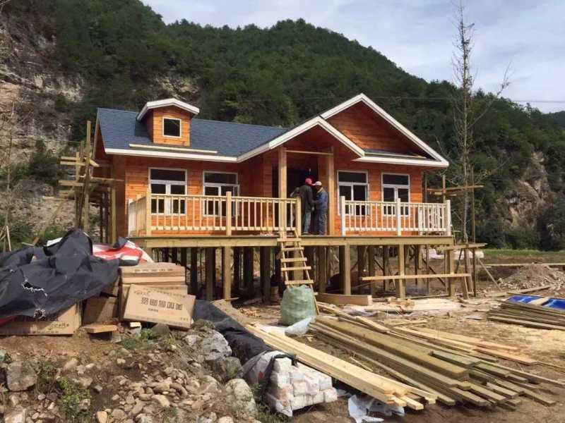 作为宜昌木屋的主要制作材料,防腐木的制作需要经过两大工序过程