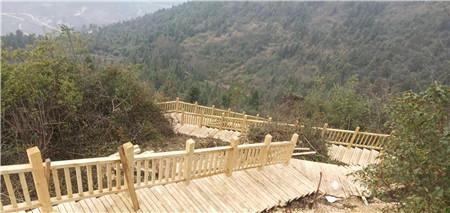 防腐木栏杆与地板工程施工效果分享