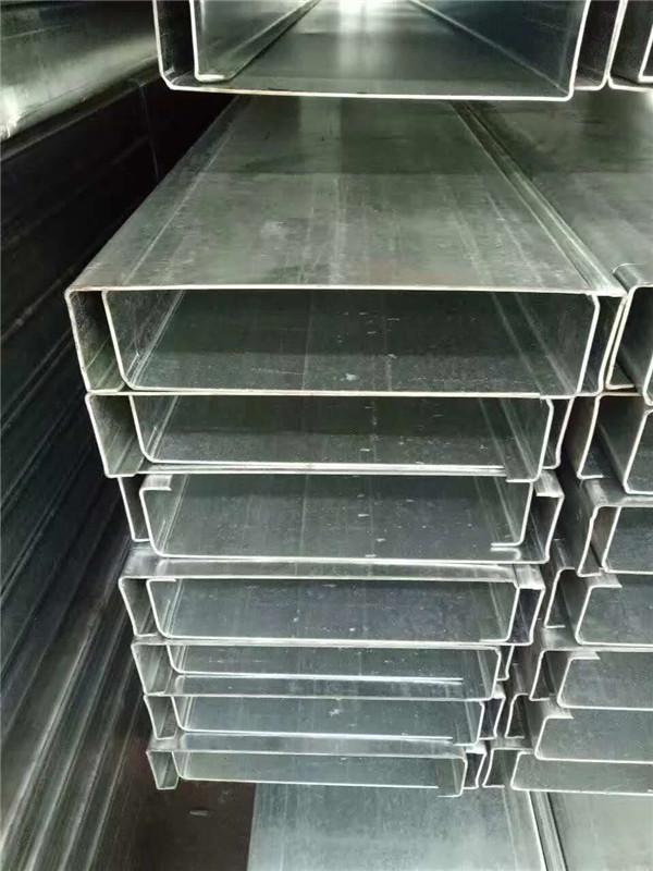隆德胜彩钢厂C型钢生产