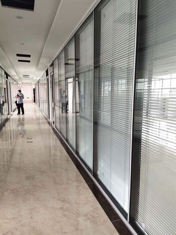 邛崃气配公司108款办公玻璃隔断墙