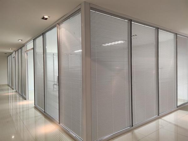 农林科学院百叶玻璃隔断安装完工