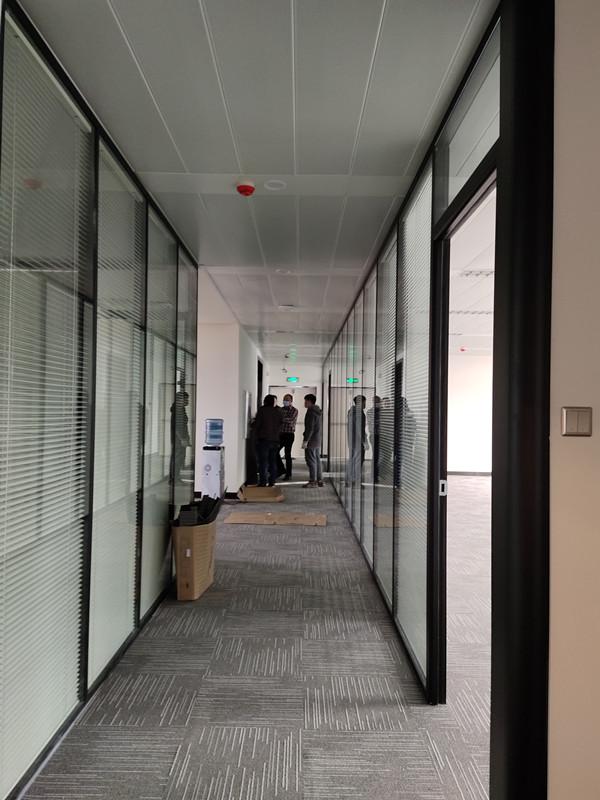 中空百叶玻璃隔断完工展示