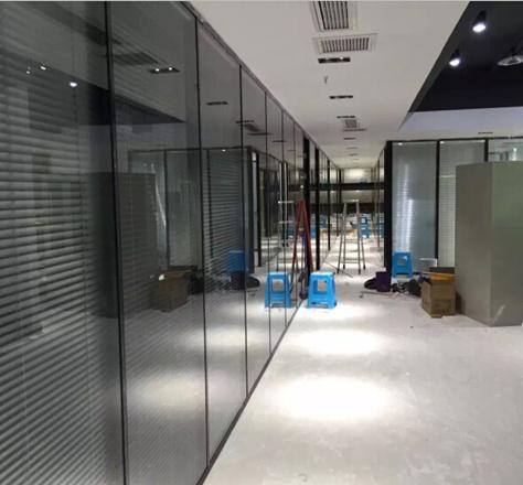 成都办公隔墙-阳光兴业中心