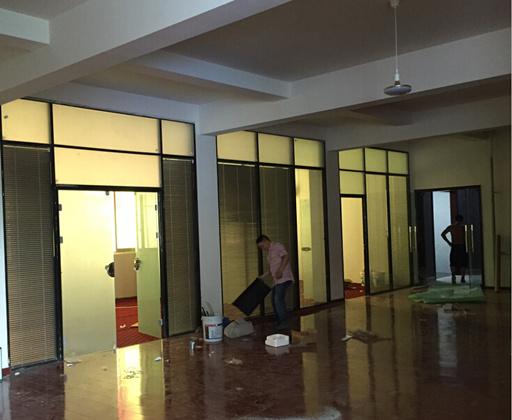 四川玻璃隔断-正荣家具厂