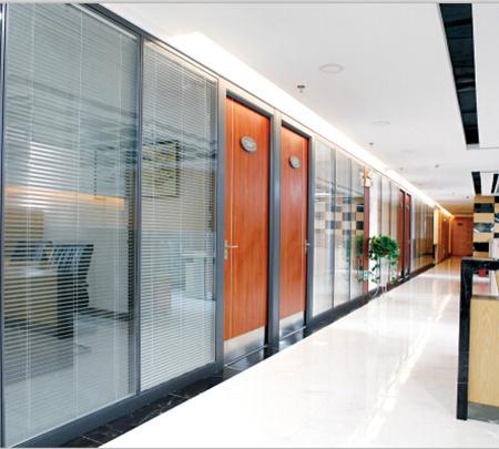 四川玻璃百叶隔墙打造空间多元化