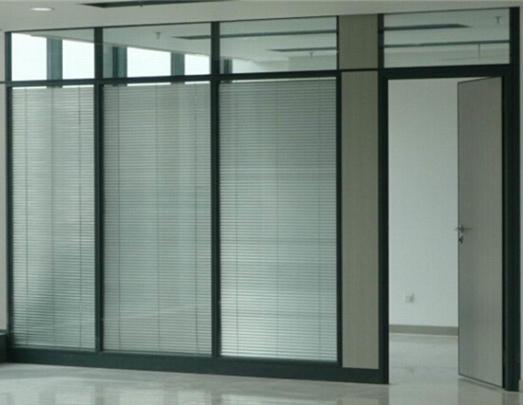 世纪美通公司浅谈四川玻璃百叶隔墙