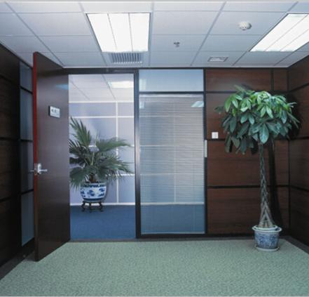 简析成都玻璃百叶隔墙销售的注意事项