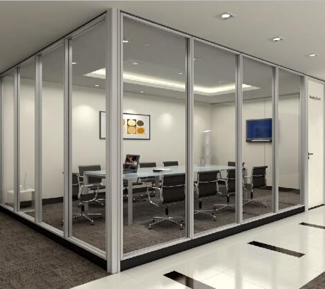 简析关于四川玻璃隔断的安装施工要点