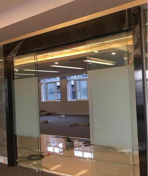 办公室玻璃隔墙