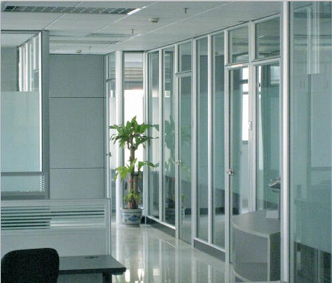 成都玻璃隔断有哪些功能?