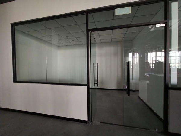 德阳广汉消防培养基地玻璃隔断展示