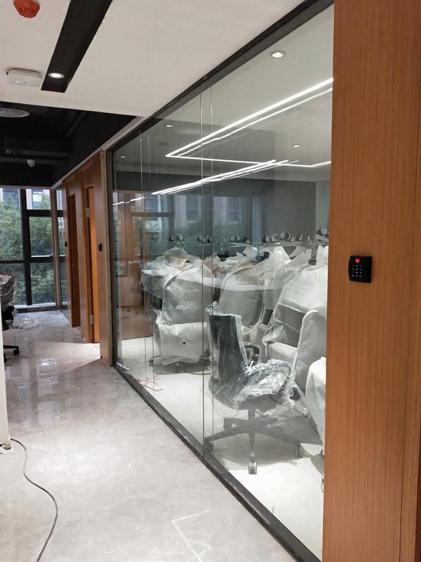 重庆创意园双玻全景玻璃隔断