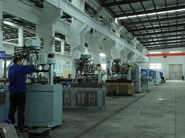 成都工程塑料机械的种类有哪些? 塑料机械的维护保养
