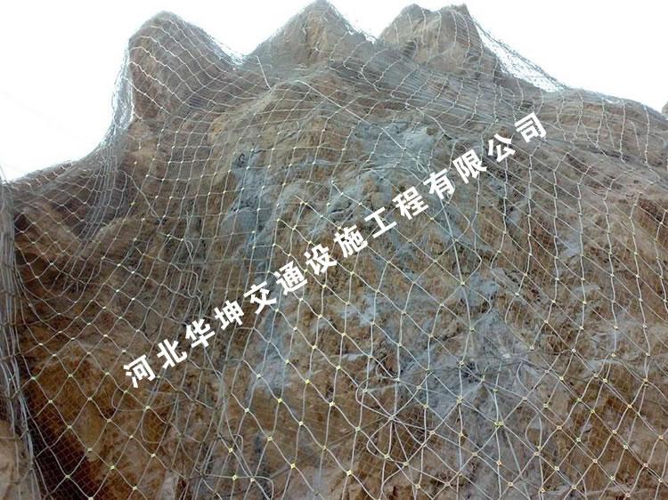 主动防护网对山坡防护效果更好