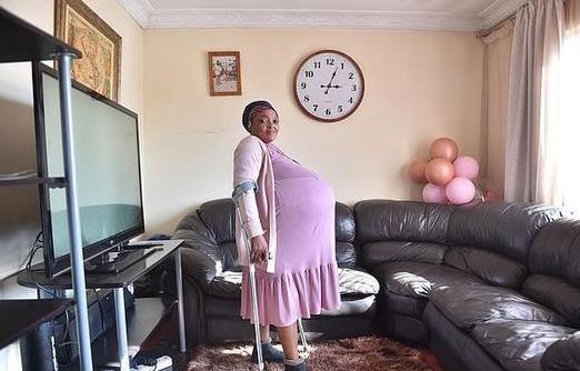 南非自稱生十胞胎女子被送入精神病院