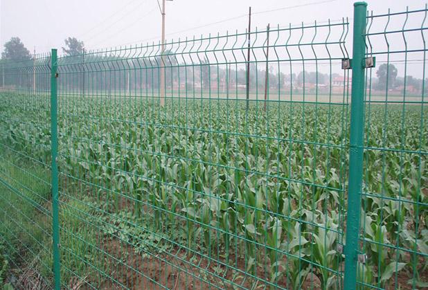 四川三角折弯护栏网