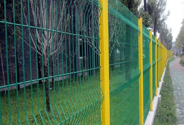 成都桃形柱护栏网