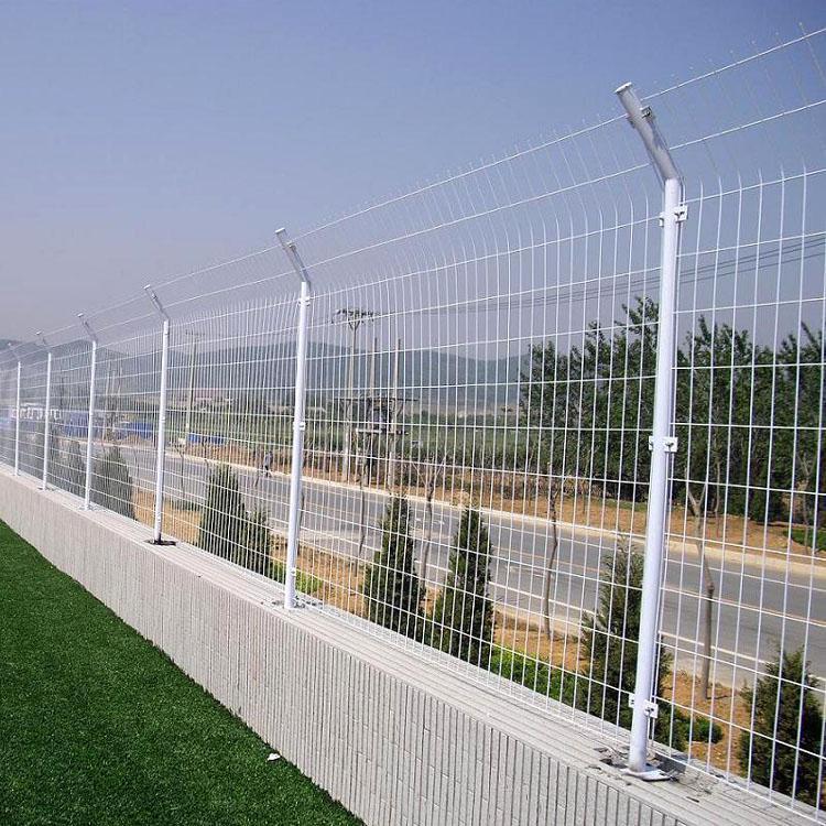 安装高速路护栏网需要注意些什么?