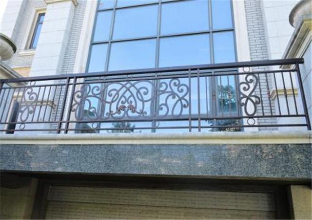 你知道西安铁艺栏杆有什么特点吗?具体有什么!