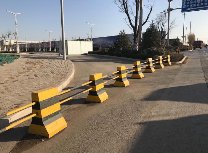 交通水泥墩