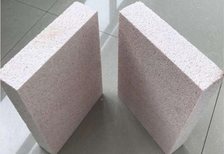 浅析成都聚合聚苯板的粘贴方式与注意事项