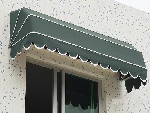 如何选择窗户阳台所使用的遮阳棚?
