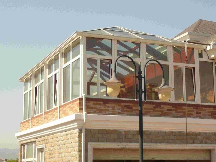 楼顶晾衣室防尘阳光房