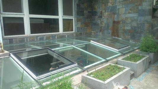 小区户外可移动地下阳光房