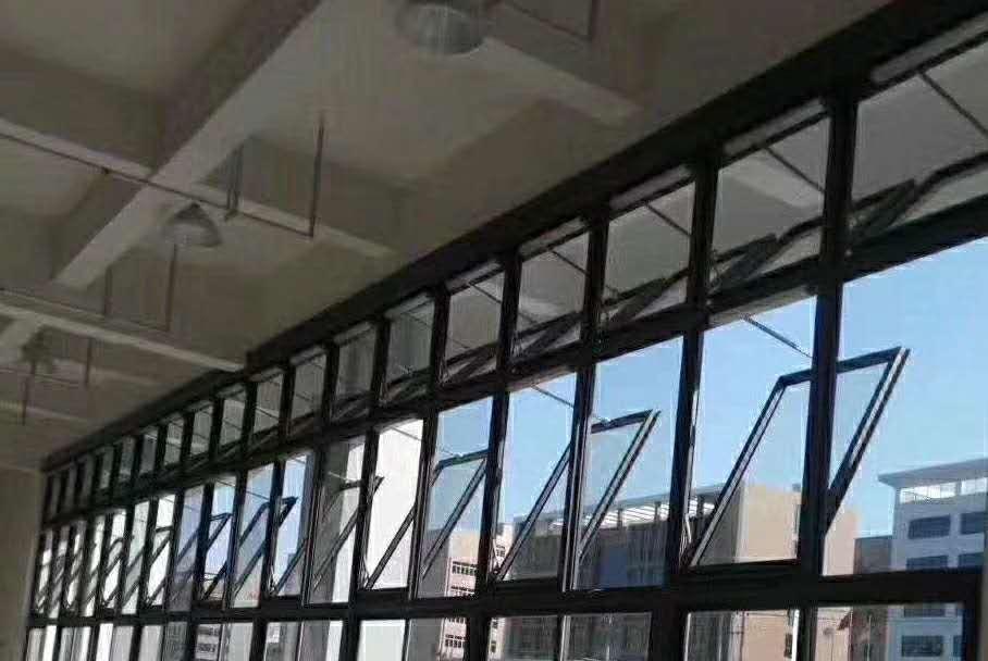 厂家定制 电动消防联动悬窗 一字排烟天窗 车间屋顶通风采光天窗