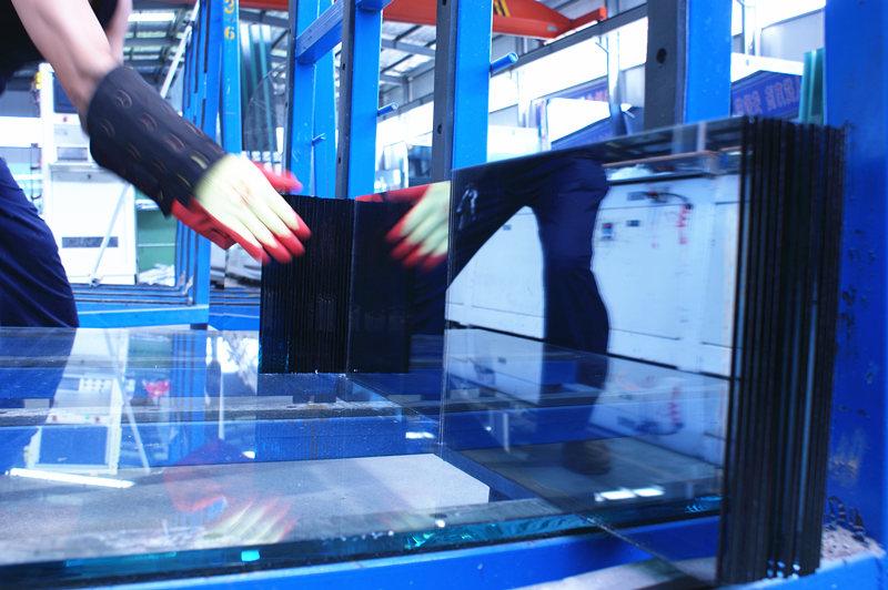 幕墙玻璃生产车间